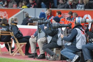 Holger Battefeld war im Bundesligastadion immer einer unter den Größten. Foto: Sinja Wappler